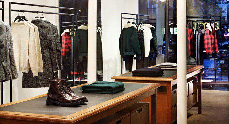 BIZZBEE, vêtements et accessoires pour homme et femme L'OFFRE DU MOMENT! C'est les GOOD BUY en ce moment en magasin ou sur cybergamesl.ga! Jusqu'à % sur une sélection de produit.