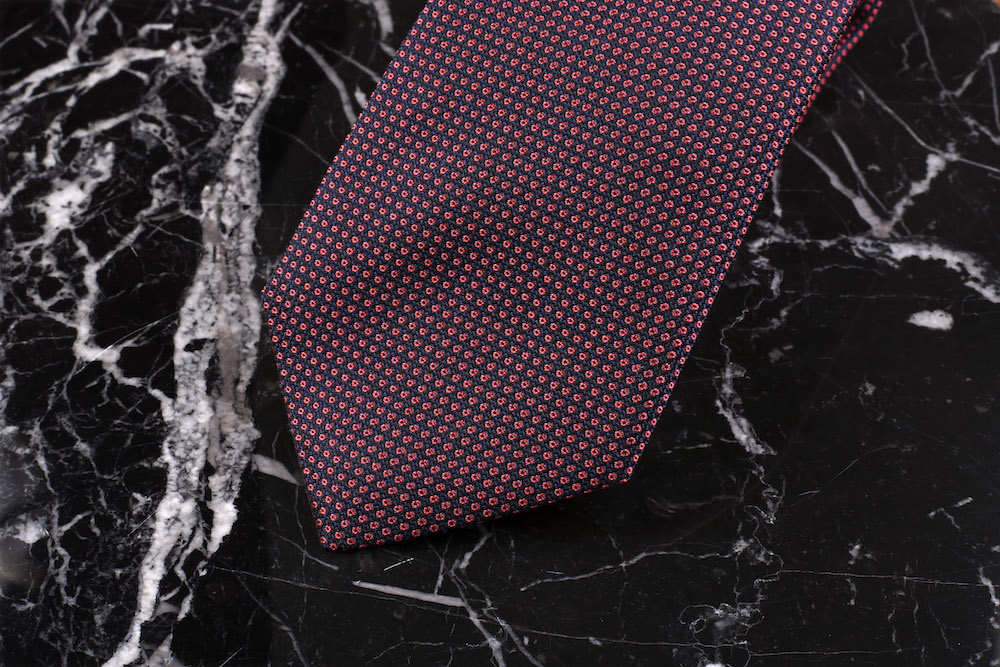 article-cinabre-cravate-texture